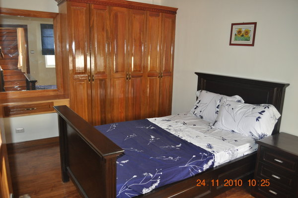 Spacious 4 bedroom house and lot in banawa cebu city for Bedroom floor lyrics