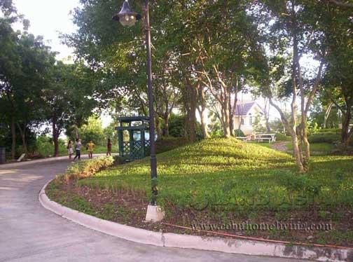 Riverdale_garden.jpg