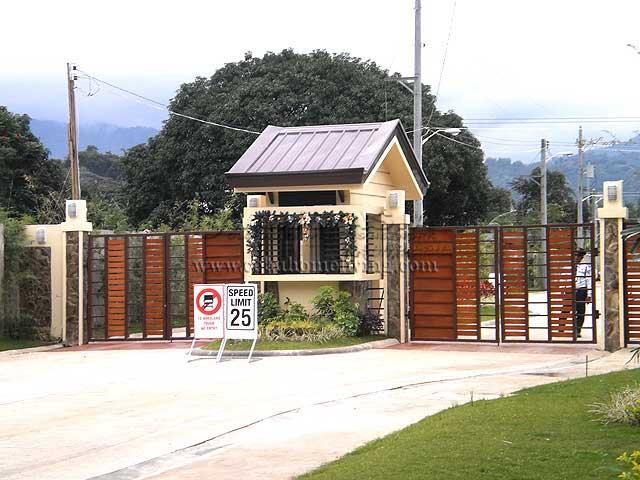 Gate_Entrance.jpg