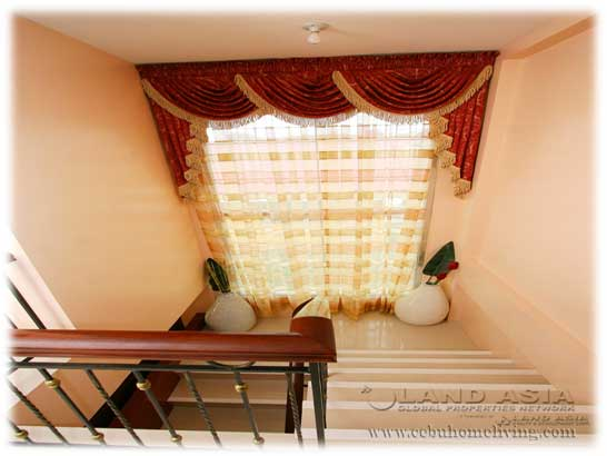 Den_stairs.jpg